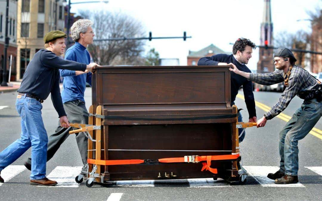 How much does it cost to hire a piano mover?